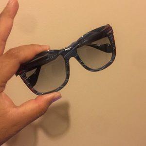FENDI Kinky Sunglasses